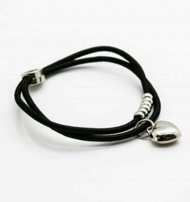 petite-affaire.haircharm.black_.silver.heart_-1024x683